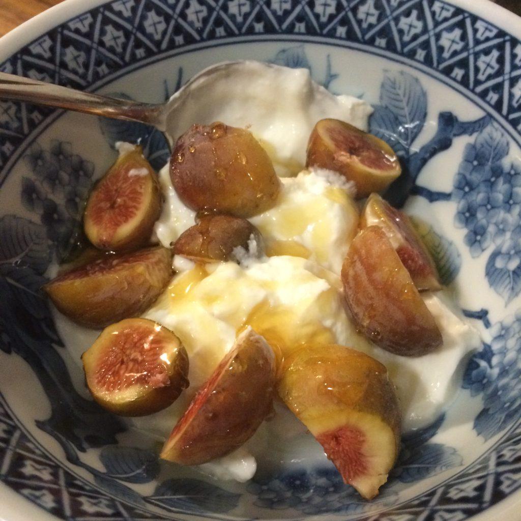 Figs in Yogurt